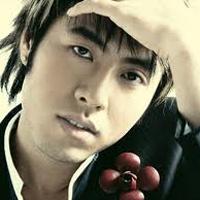 Ca sĩ Akira Phan