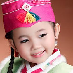 Ca sĩ Bé Nhật Lan Vy