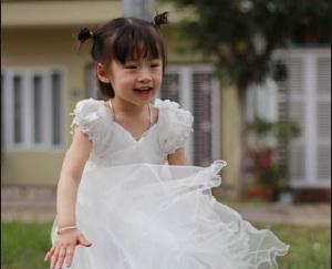 Ca sĩ Bé Phương Anh