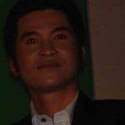 Ca sĩ Châu Liêm