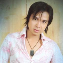 Ca sĩ Chung Tử Long