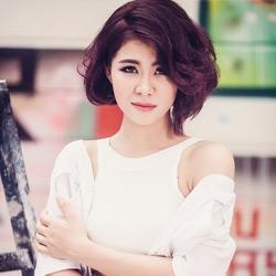 Ca sĩ Hà Nhi