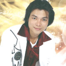Ca sĩ Hoàng Kim Long