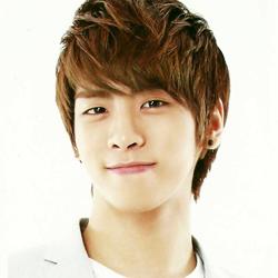 Ca sĩ Jong Hyun