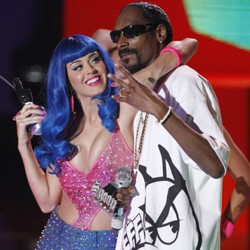 Ca sĩ Katy Perry,Snoop Dogg