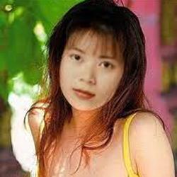 Ca sĩ Khánh Vy