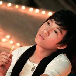 Ca sĩ Ngô Thiên