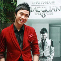 Ca sĩ Nhật Tinh Anh