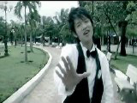 Ca sĩ Renny Hiếu