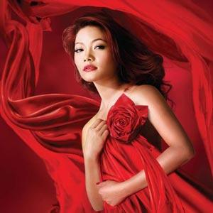 Ca sĩ Thu Trang