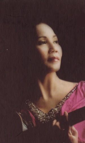 Ca sĩ Thu Vàng