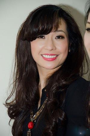 Ca sĩ Thùy Dung