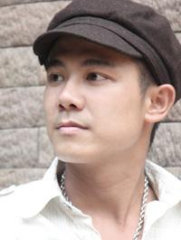 Ca sĩ Vân Quang Long